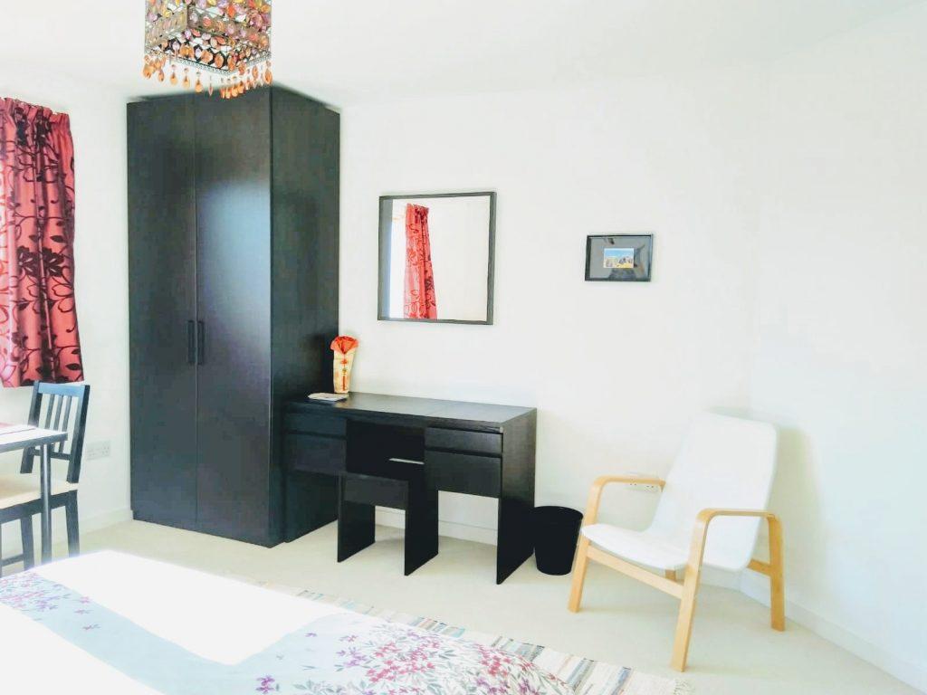 Tigh-Na-Mara Staffin B&B room spacious and bright (Isle of Skye)